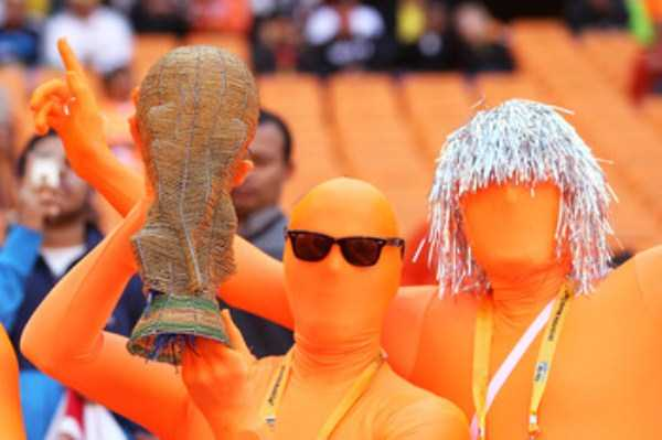 football-world-cup-vivid-fans (5)