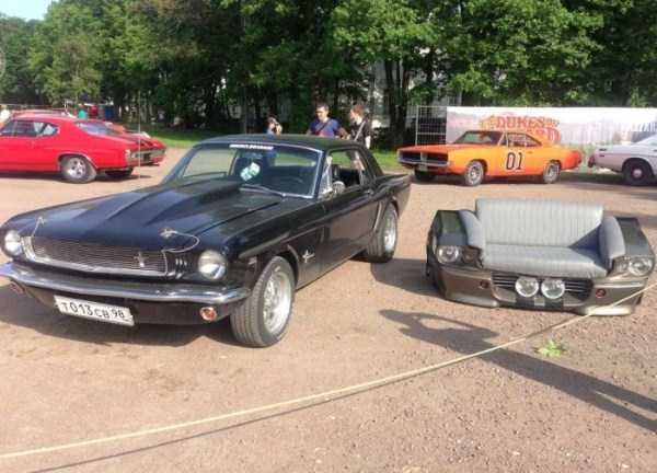ford-mustang-couch (22)