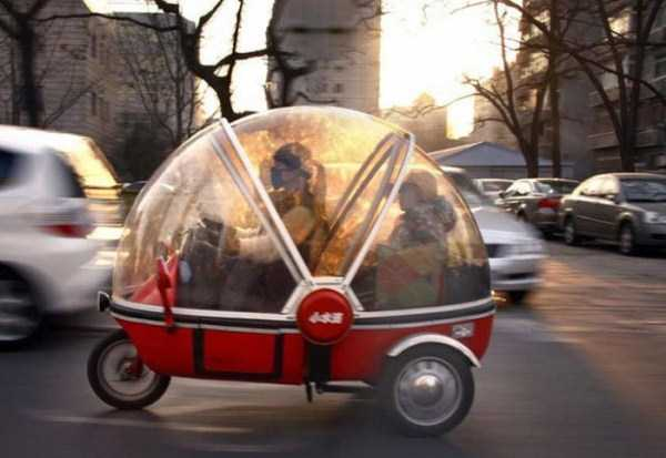the-strangest-things-you-will-see-on-the-road-20