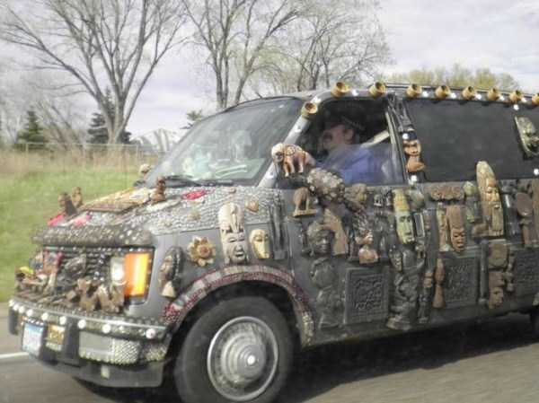 the-strangest-things-you-will-see-on-the-road-51