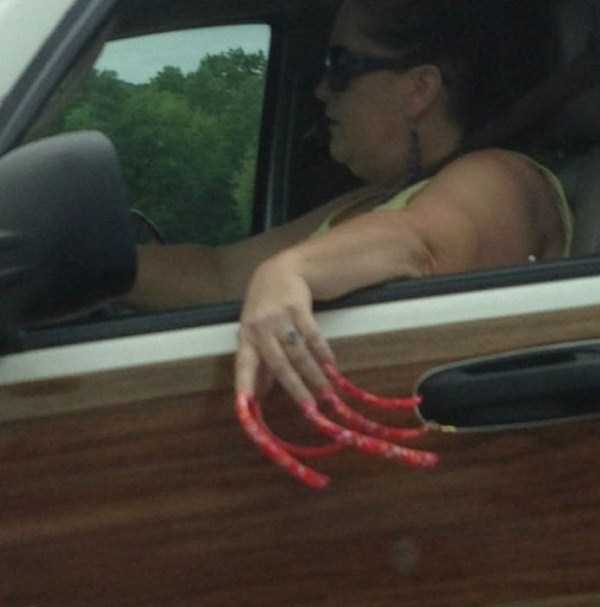 the-strangest-things-you-will-see-on-the-road-6