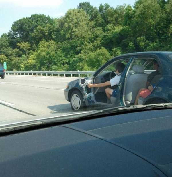 the-strangest-things-you-will-see-on-the-road-7
