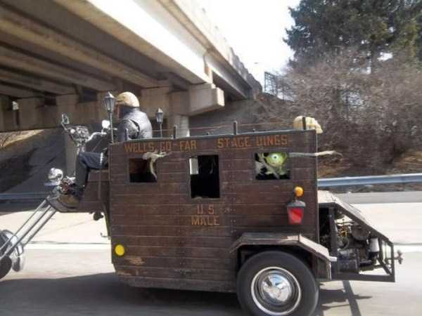 the-strangest-things-you-will-see-on-the-road-70