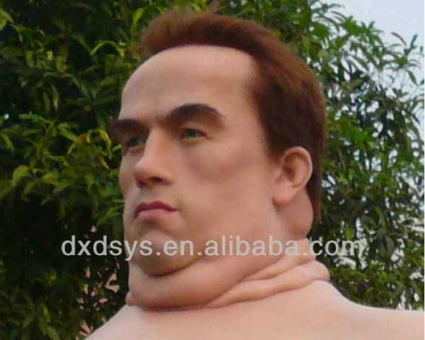 Tottaly Disturbing Wax Statue Of Arnold Schwarzenegger (5 photos) 5