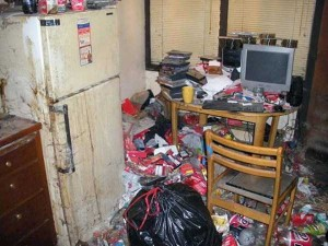 20 Unimaginably Depressing Home Offices (20 photos) 18