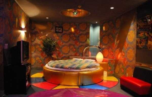 see-the-inside-of-japanese-love-hotels-10