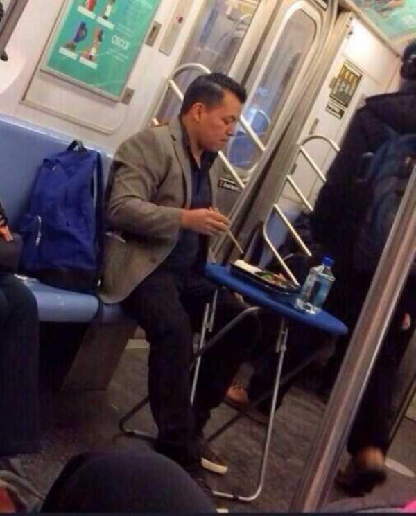 strange-people-in-subway (11)