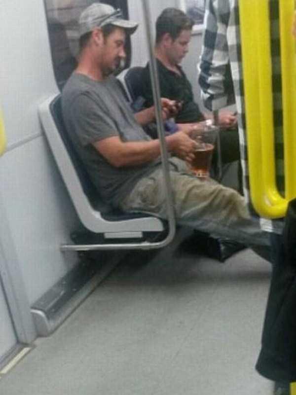 strange-people-in-subway (25)