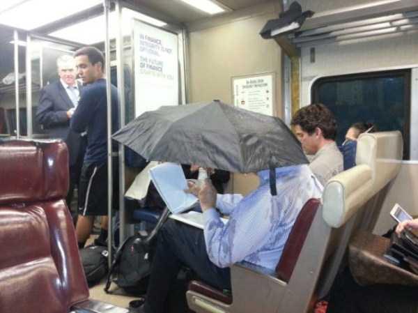 strange-people-in-subway (26)