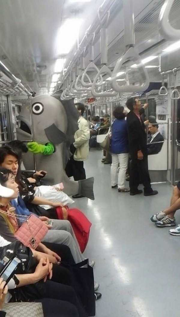 strange-people-in-subway (30)