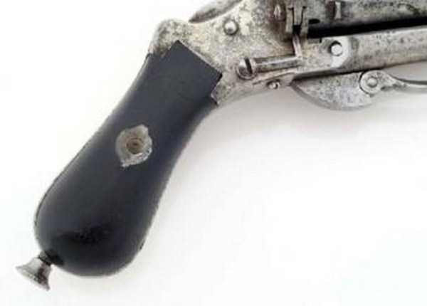 vintage-19th-century-revolver-7