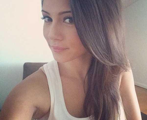 beautiful-girls-selfies-15