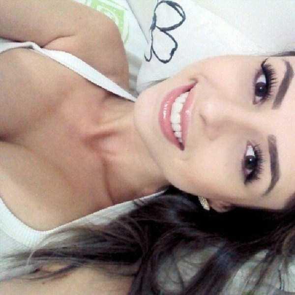 beautiful-girls-selfies-24