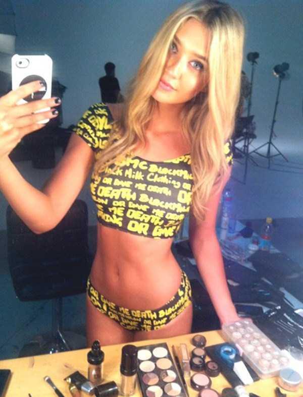 beautiful-girls-selfies-29