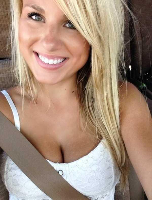 beautiful-girls-selfies-30