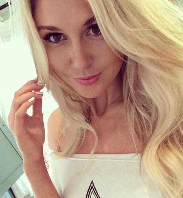 beautiful-girls-selfies-31