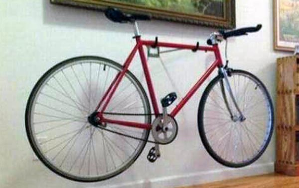 Determined Man Retreives His Stolen Bike (6 photos) 7