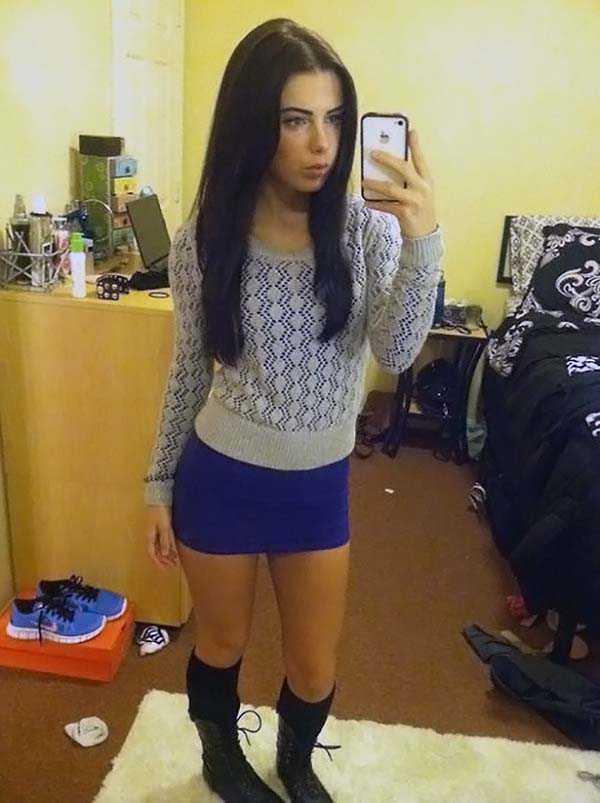 cute-girls-in-messy-rooms (12)