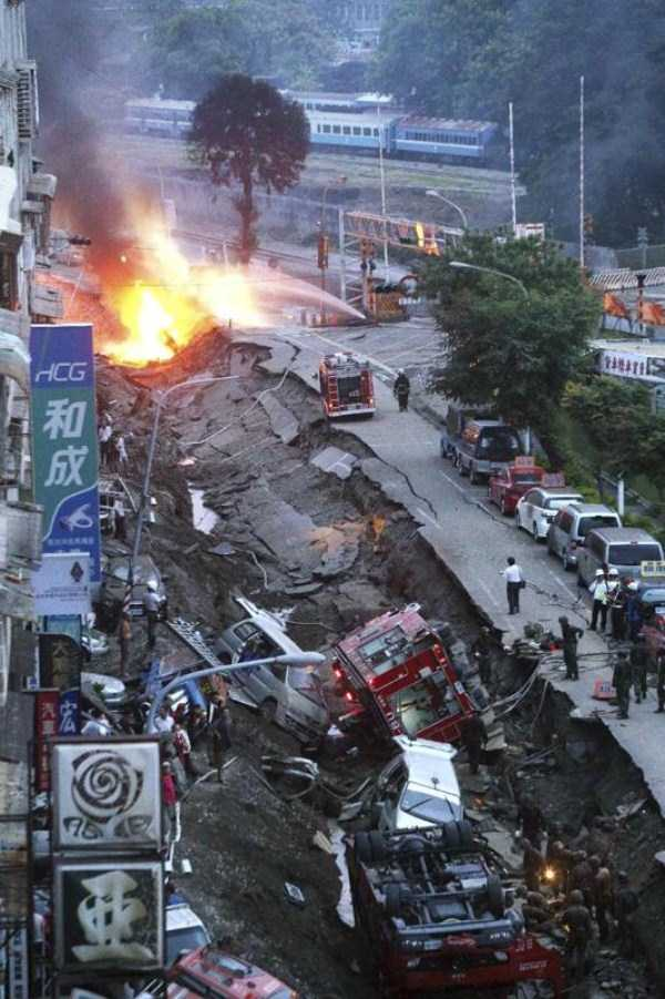 gas-explosion-in-taiwan (23)