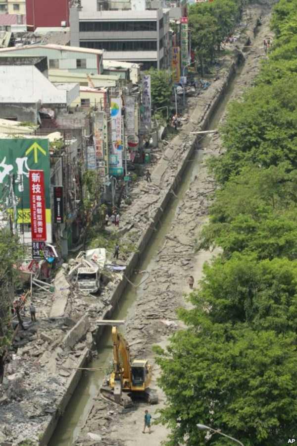 gas-explosion-in-taiwan (53)