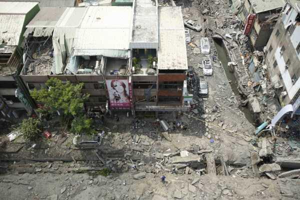 gas-explosion-in-taiwan (54)
