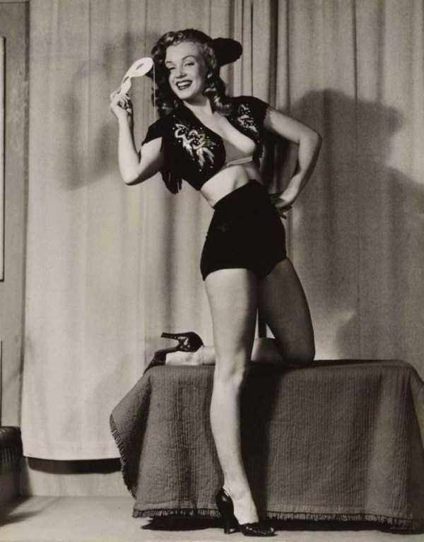 naked-marilyn-monroe (4)