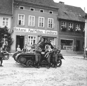 Rare Photos of Nazi Soldiers' Lives During World War II (81 photos) 71