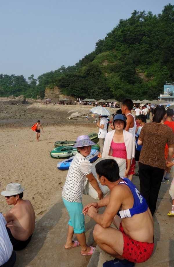 north-korea-beach (2)