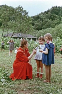 Rare Color Photos of Everyday Life in the Soviet Union in 1950s (30 photos) 22