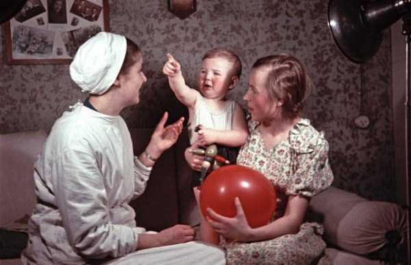 Rare Color Photos of Everyday Life in the Soviet Union in 1950s (30 photos) 27