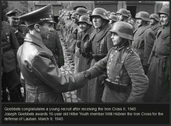 rare-historical-photos-from-world-war-ii-45