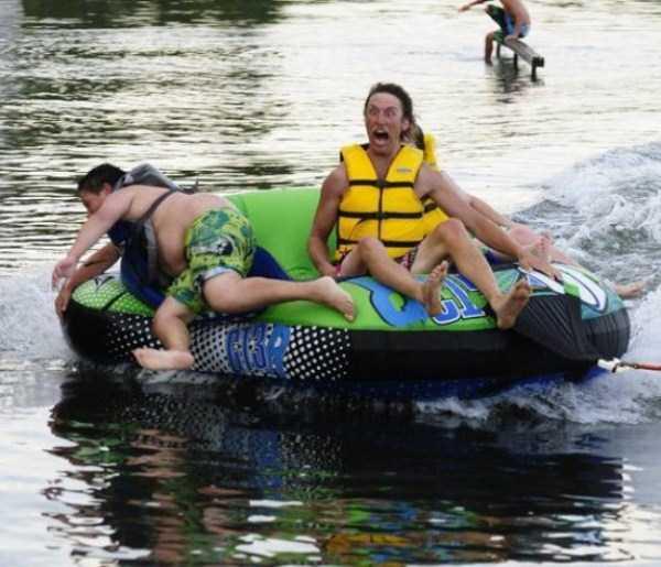 water-tubing-wipeouts (10)
