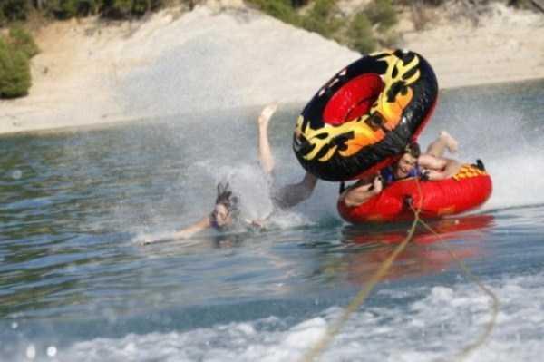water-tubing-wipeouts (12)