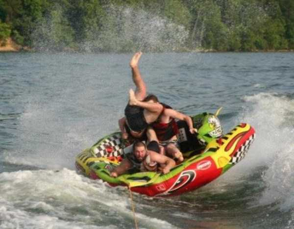 water-tubing-wipeouts (13)