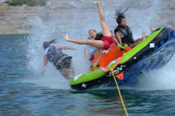 water-tubing-wipeouts (18)