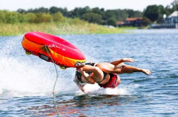 water-tubing-wipeouts (21)