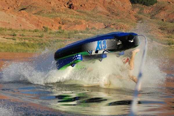 water-tubing-wipeouts (3)