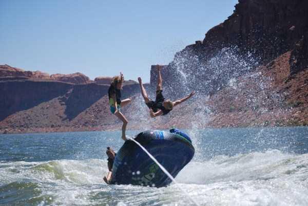water-tubing-wipeouts (4)
