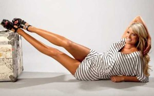 Hot Girls Showing Off Their Perfectly Shaped Legs (47 photos) 17