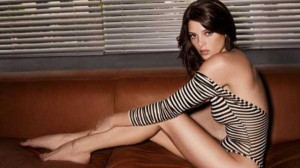 Hot Girls Showing Off Their Perfectly Shaped Legs (47 photos) 19