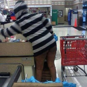 Hilariously Awkward Wardrobe Malfunctions (35 photos) 21