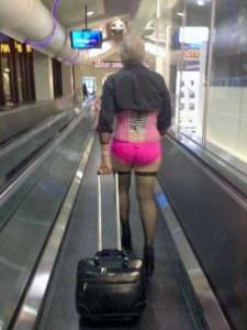 Hilariously Awkward Wardrobe Malfunctions (35 photos) 23