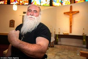 Meet the World's Strongest Priest (10 photos) 2