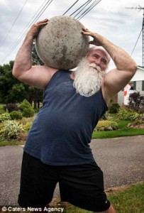 Meet the World's Strongest Priest (10 photos) 4