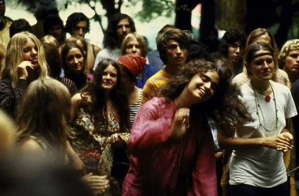 Photos-of-Life-at-Woodstock-1969-20