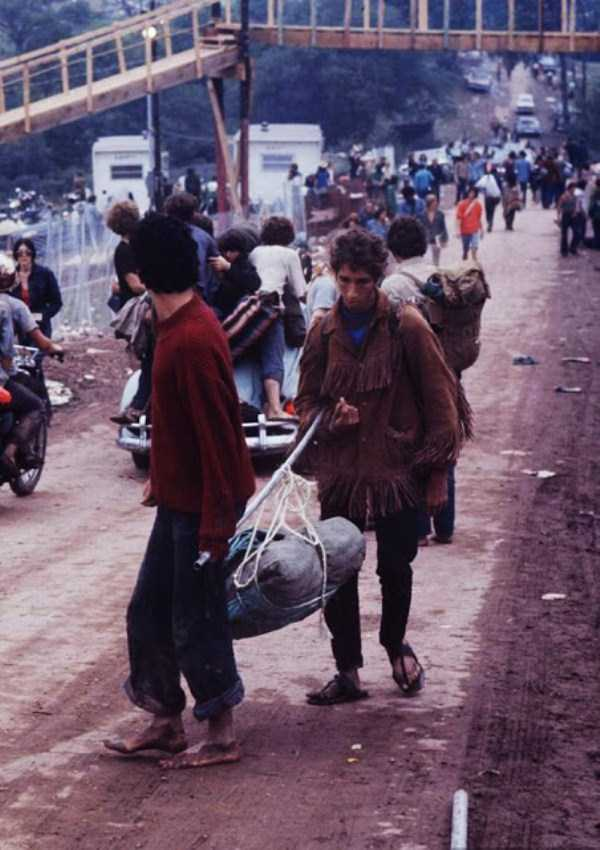 Photos-of-Life-at-Woodstock-1969-44