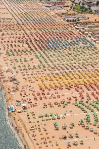 Colorful Italian Beaches From Above (29 photos) 9