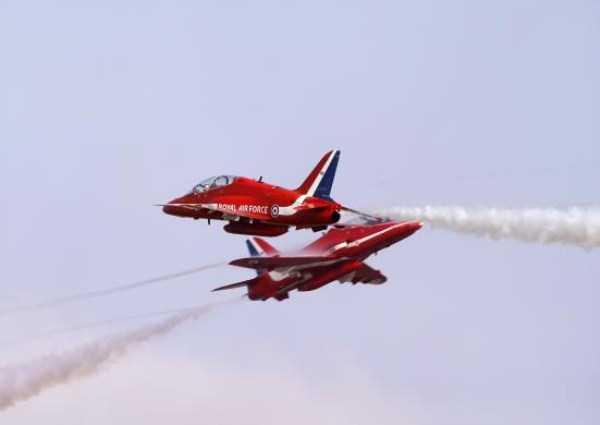 airplanes-doing-stunts (17)