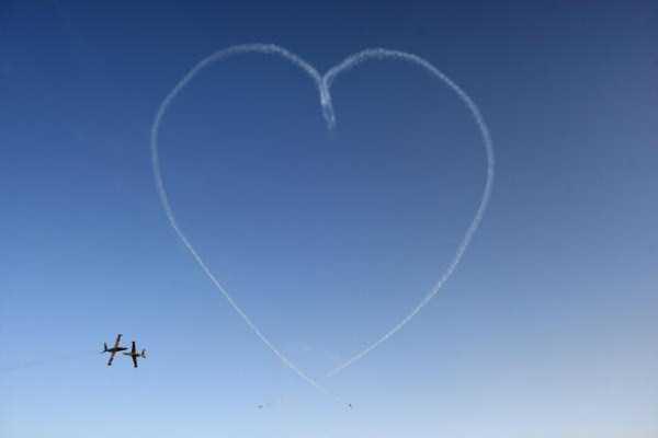 airplanes-doing-stunts (18)