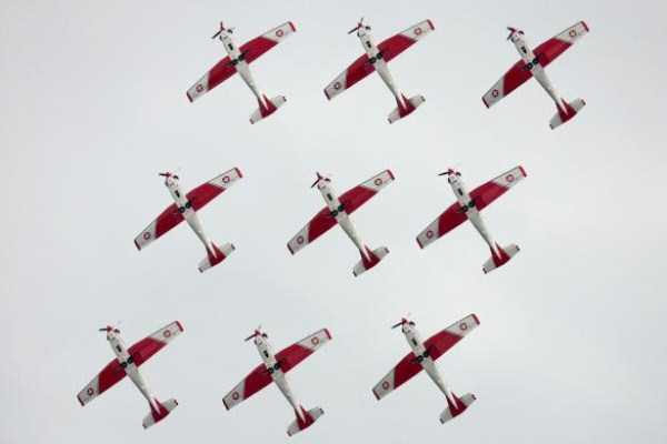 airplanes-doing-stunts (9)